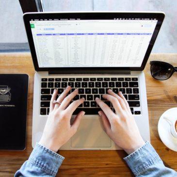 Posture assise au travail ? 5 trucs pour bouger davantage